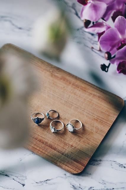 srebrne pierścionki