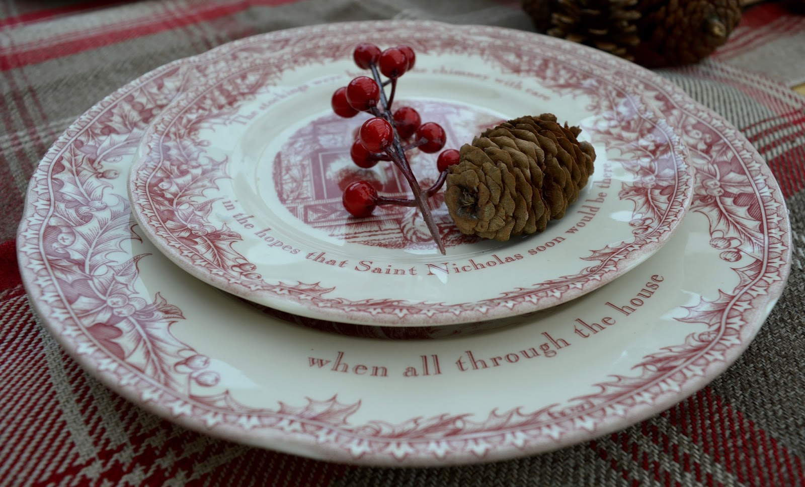 How to host an AWESOME North Pole Christmas Breakfast including tableware from TK Maxx, food ideas and table printables - night before christmas plates from TK Maxx