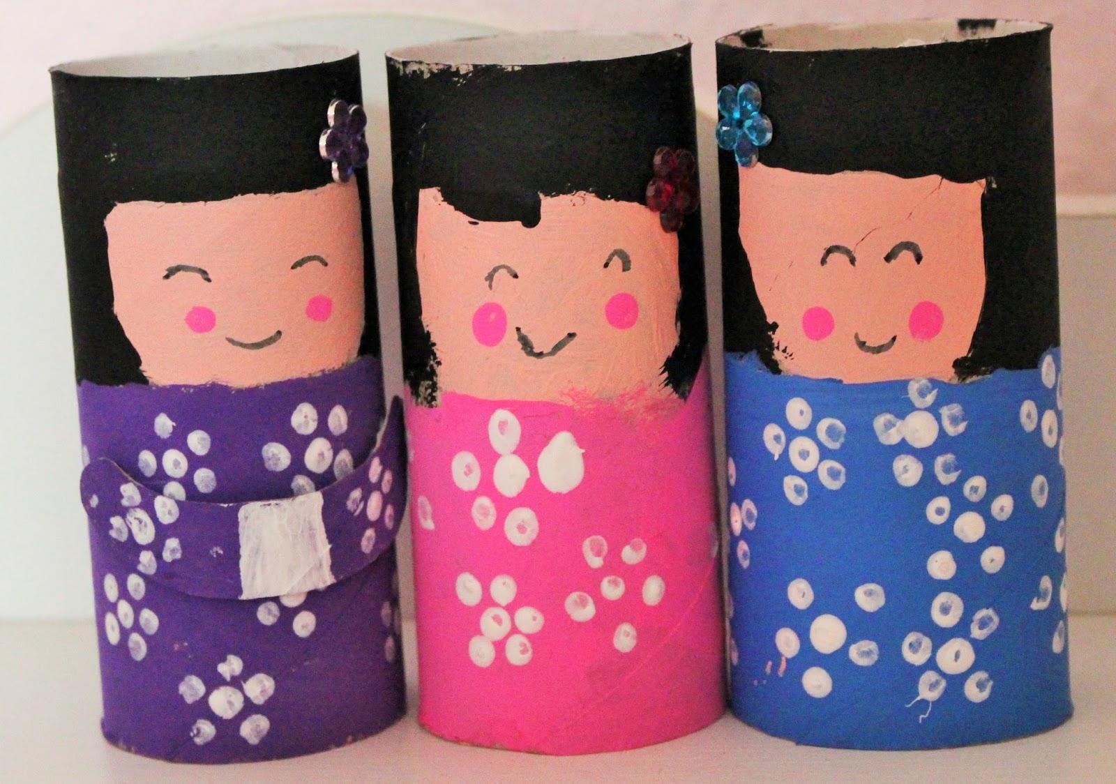 Eccezionale Mamma Gioca: Kokeshi con un rotolo di carta igienica SQ59