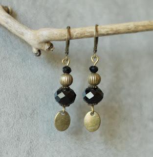 https://galerie.alittlemarket.com/galerie/sell/2294673/boucles-d-oreille-boucles-d-oreilles-onyx-et-bronze-a-17578557-boucles-d-oreil92b3-d138b_big.jpg