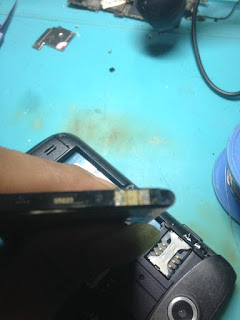 Baterai Samsung Galaxy V Tidak Bisa Dicas