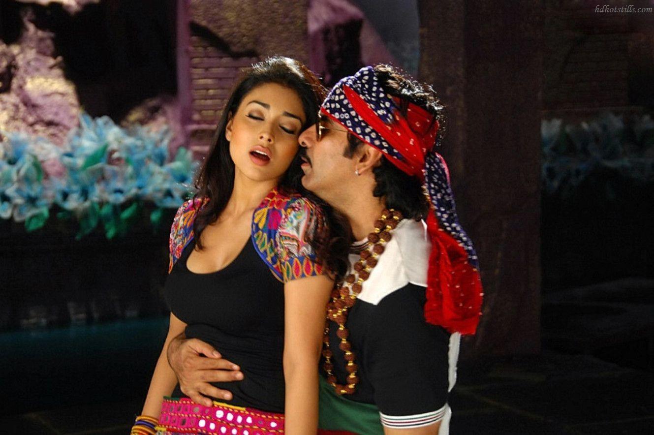 Shriya Saran Hot HD Images From Her Movies