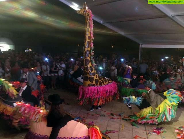 Los Caballo Fuscos de Fuencaliente llevan a la Casa Regional de La Palma en Tenerife su tradicional y singular baile