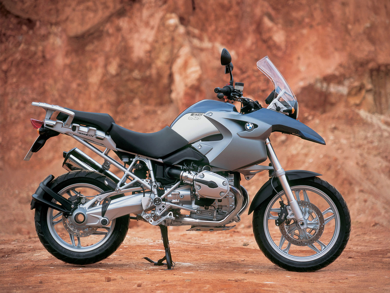 bmw r 1200 gs motorcycle desktop wallpaper accident. Black Bedroom Furniture Sets. Home Design Ideas