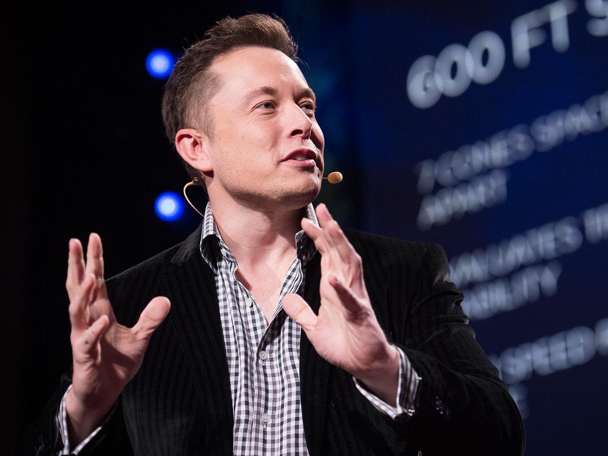 Bos Tesla Sindir Kaum Bumi Datar di Twitter