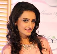 Momal Sheikh Biography Age Height, Profile, Family, Husband, Son, Daughter, Father, Mother, Children, Biodata, Marriage Photos.