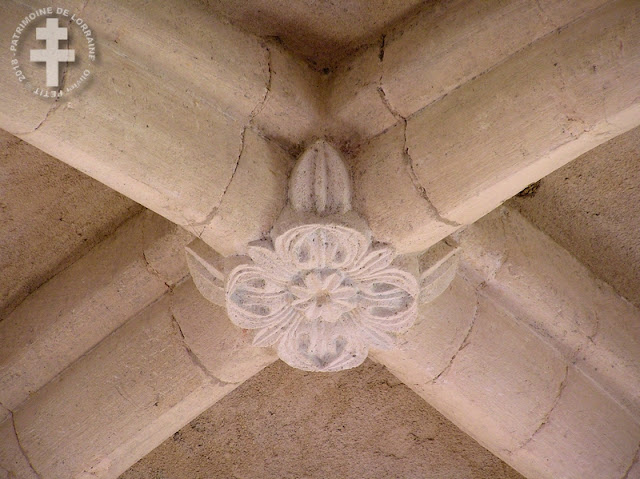 BOUXIERES-AUX-CHENES (54) - Chapelle romane Sainte-Agathe de Blanzey