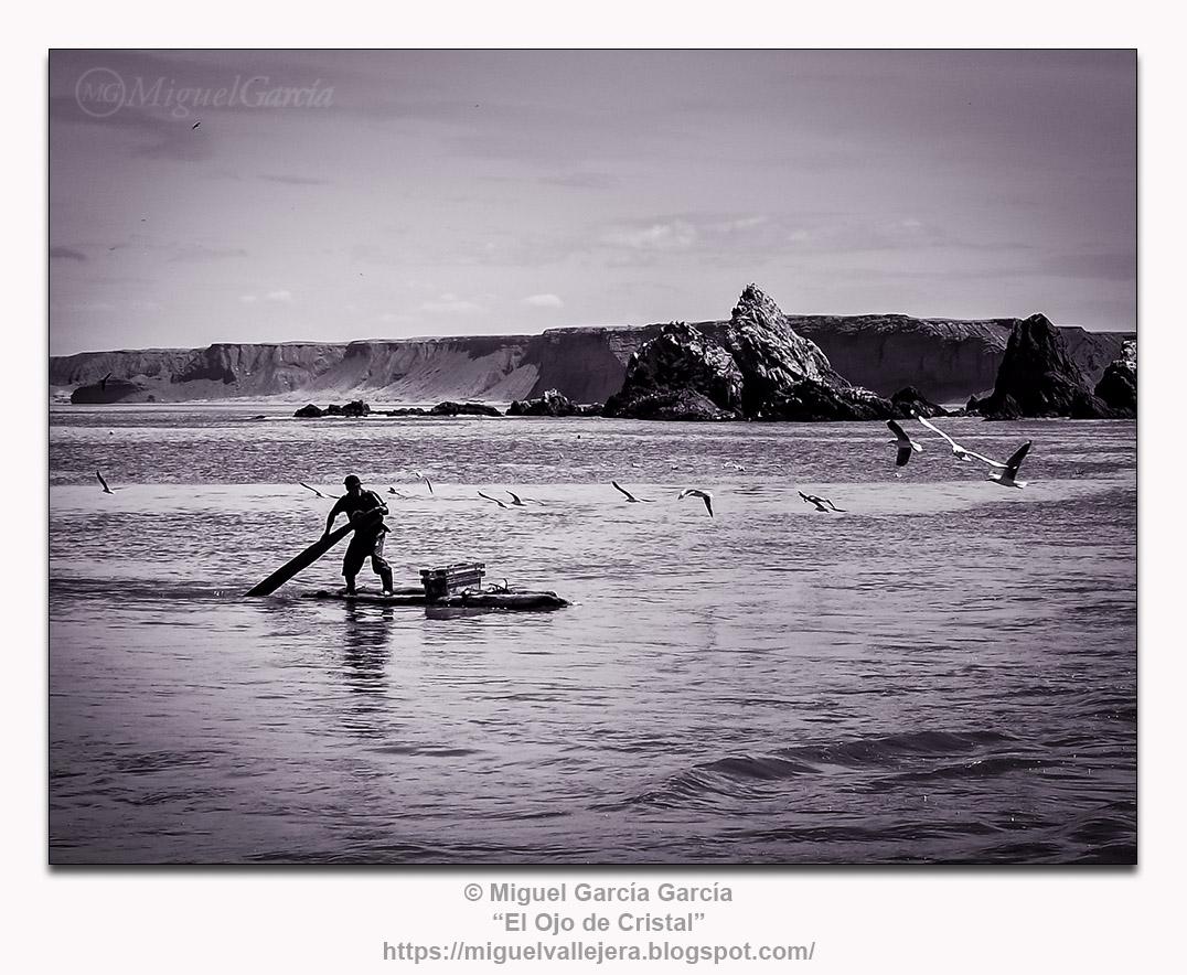Pescador en Yacila, Perú.