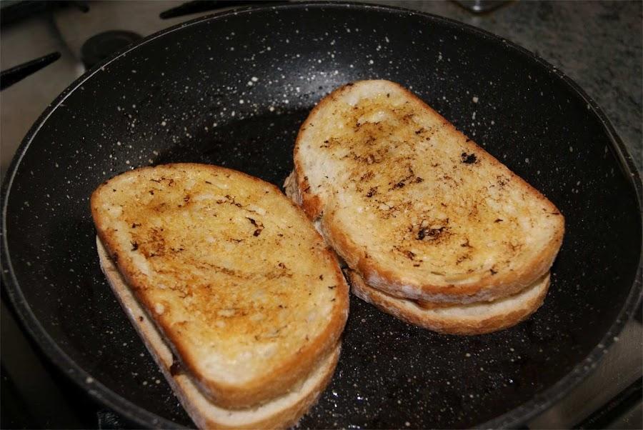 Sandwich de pera gorgonzola y bacon paso 3