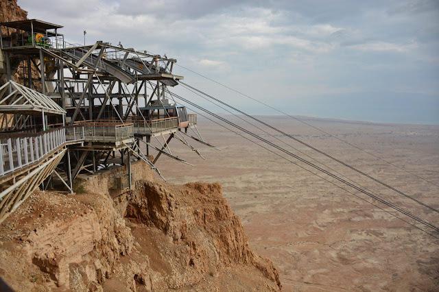 вид на мертвое море с крепости Масада