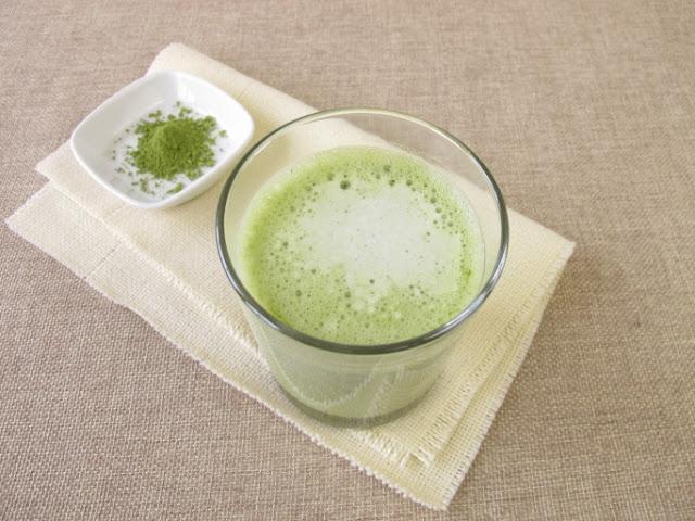 Diet dengan susu dan teh hijau