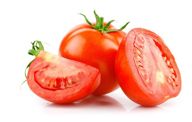 7 alimentos que não devem ser guardados na geladeira - Tomates (Imagem: Reprodução/cooperurubici)