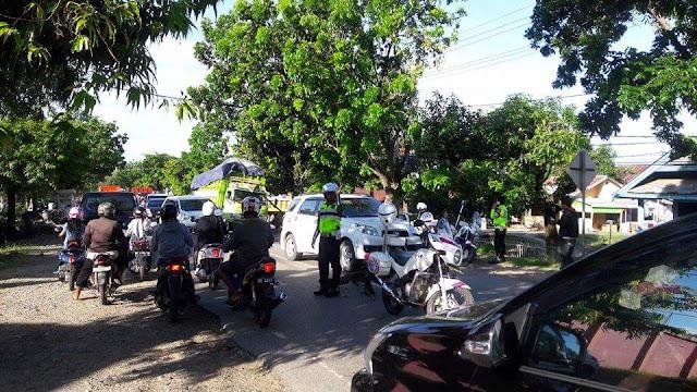 Truk Gabah Rusak di Palopo, Jalan Trans Sulawesi Macet Hingga Sekira 5 Km