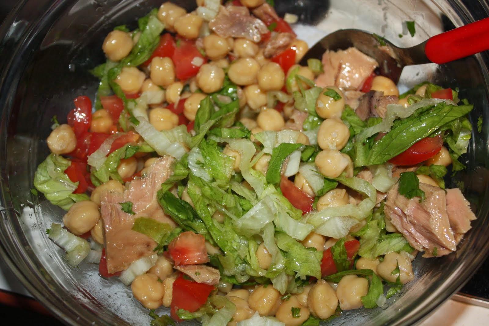 La guarida de bam ensaladas con legumbres - Ensalada de garbanzos light ...