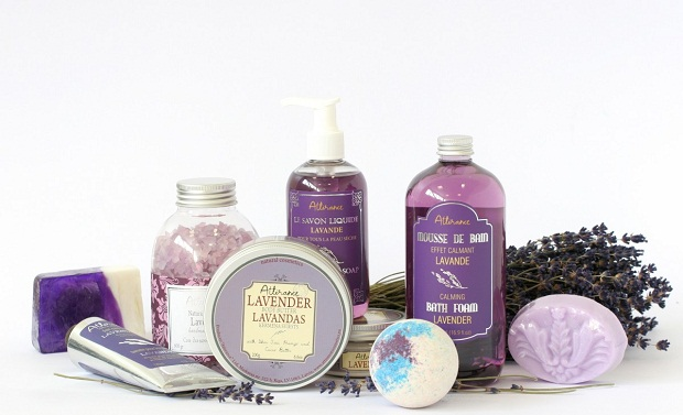 artikel kesehatan, herbal, kesehatan, khasiat minyak lavender, lavender, Manfaat Kesehatan, manfaat minyak lavender, Manfaat Tanaman Herbal, minyak lavender,