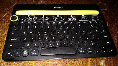 Bluetooth keyboard for cell phone