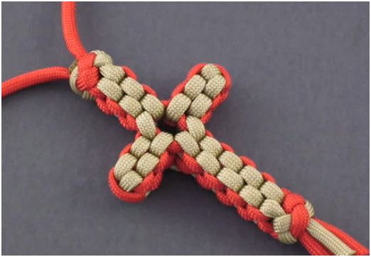 How to make a paracord knotted cross necklace the for Paracord cross instructions