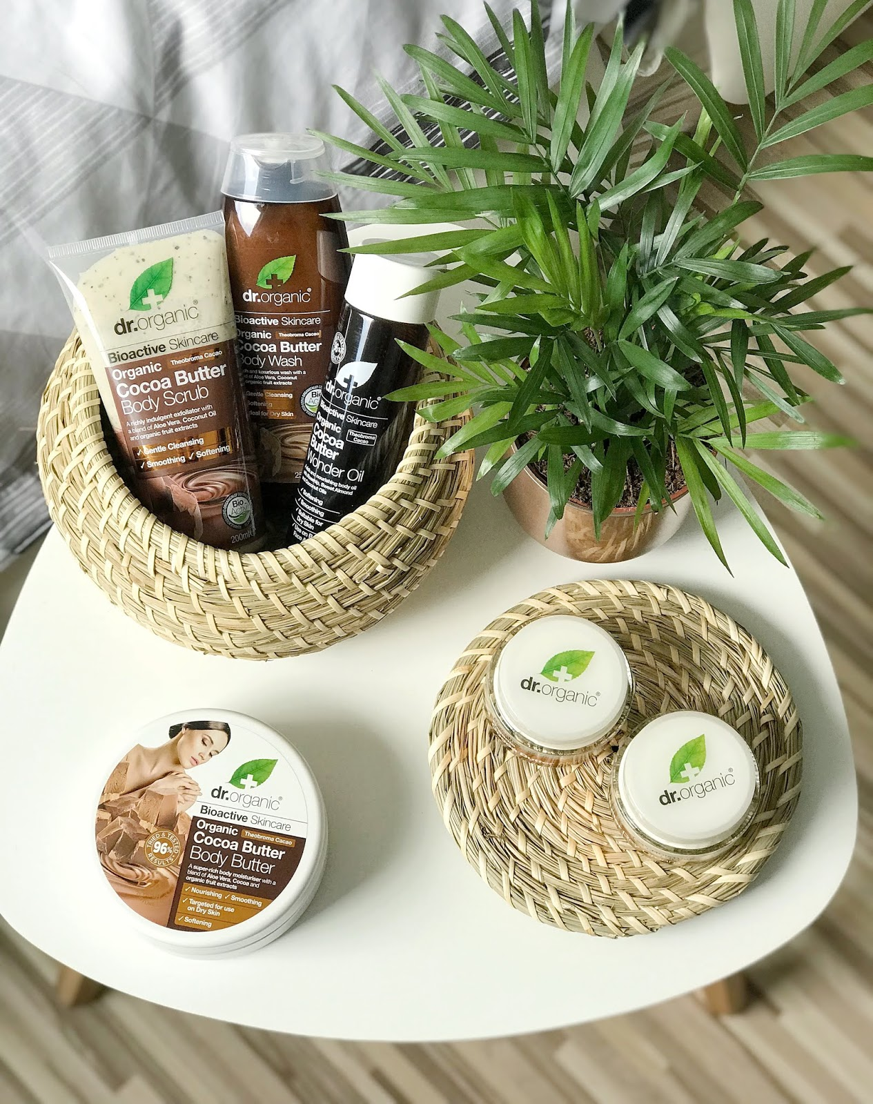 Dr. Organic Organic Cocoa Butter body scrub, wonder oil, body butter, body wash, day and night cream, kakavova linija, čudežno olje