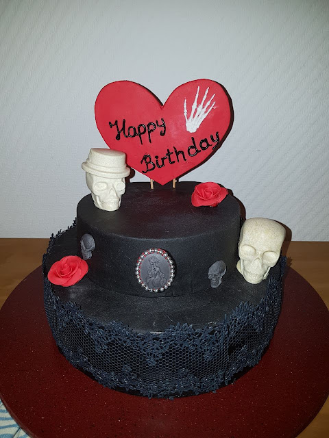 https://sandyskitchendreams1.blogspot.com/p/gothic-kuchen.html