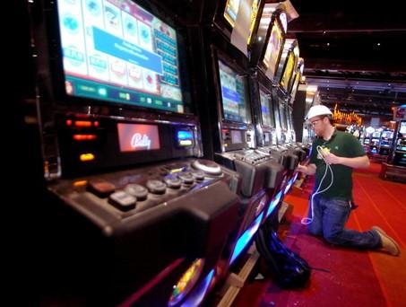 Техник игровые автоматы от игровых автоматов зависимость у этого
