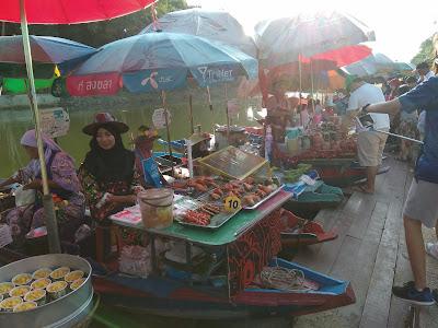 khlong hae market, makan-makan, makan atas perahu, kedai terapung