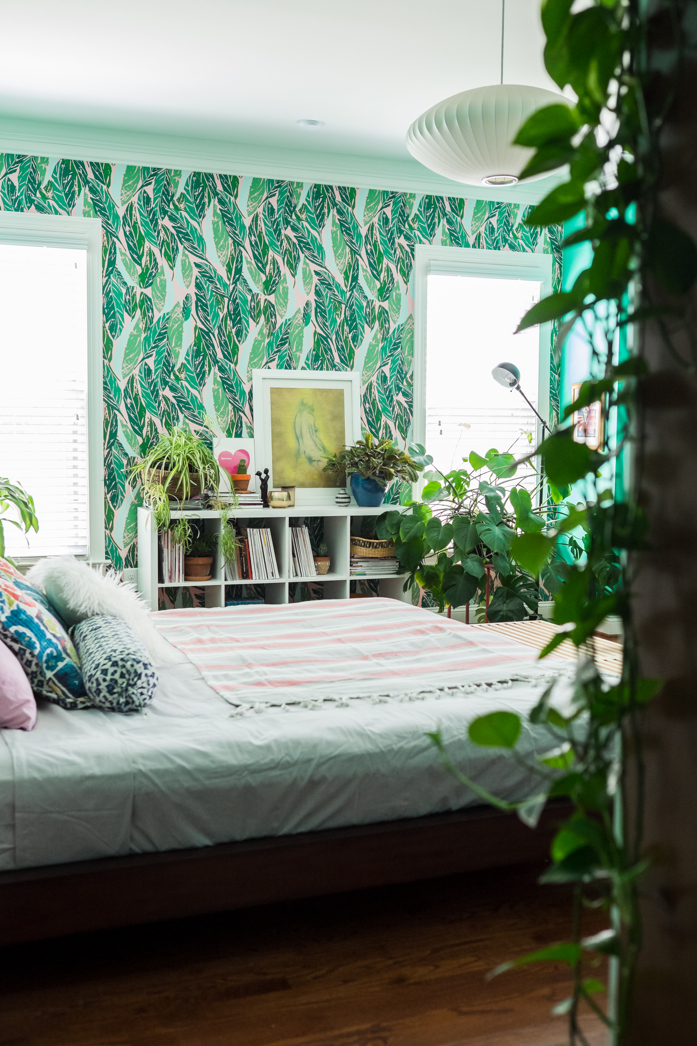 We love a plant filled bedroom-designaddictmom