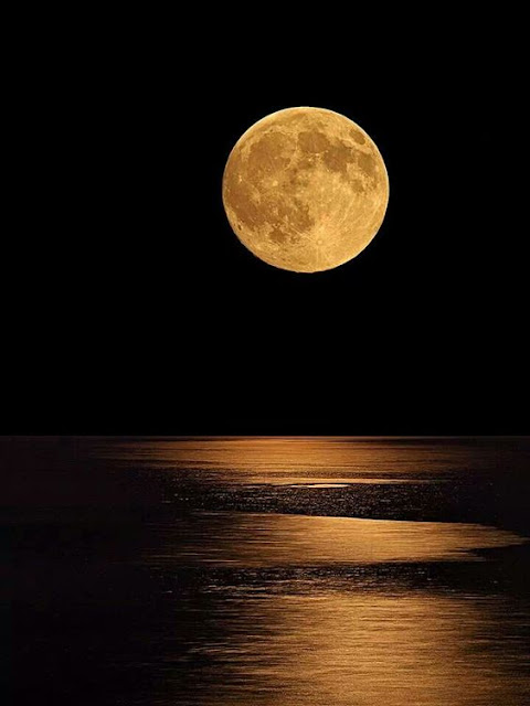 August full moon Greece