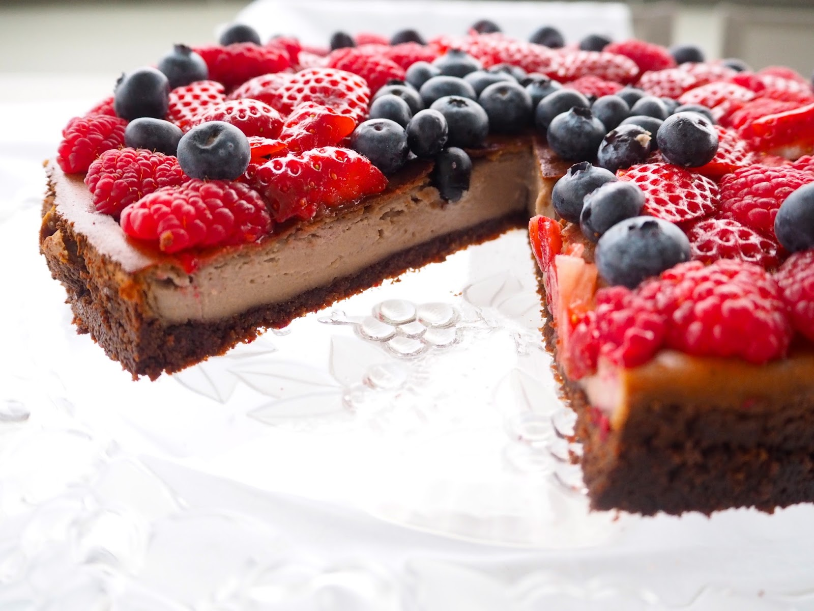 Vegan Berry Cheescake, healthy cheesecake, low sugar cheescake, vegan, low fat cheescake, recipe