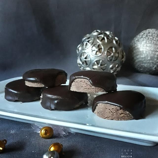 POLVORONES DE CHOCOLATE BAÑADOS