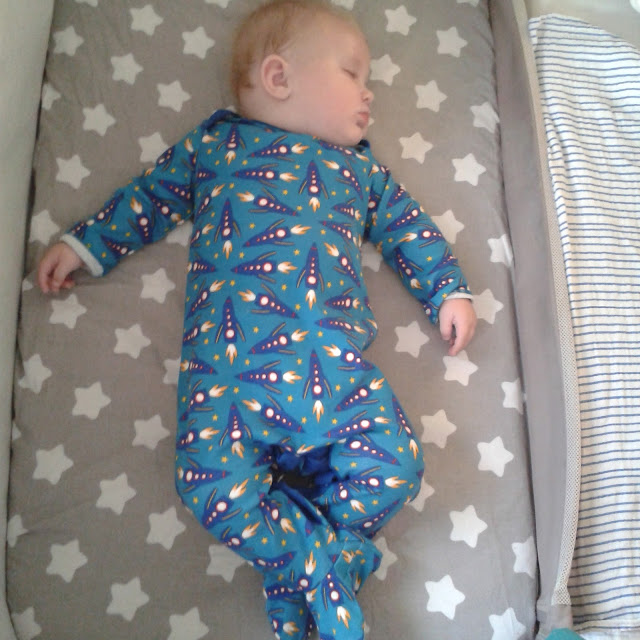 Chicco next to me crib, baby asleep, review