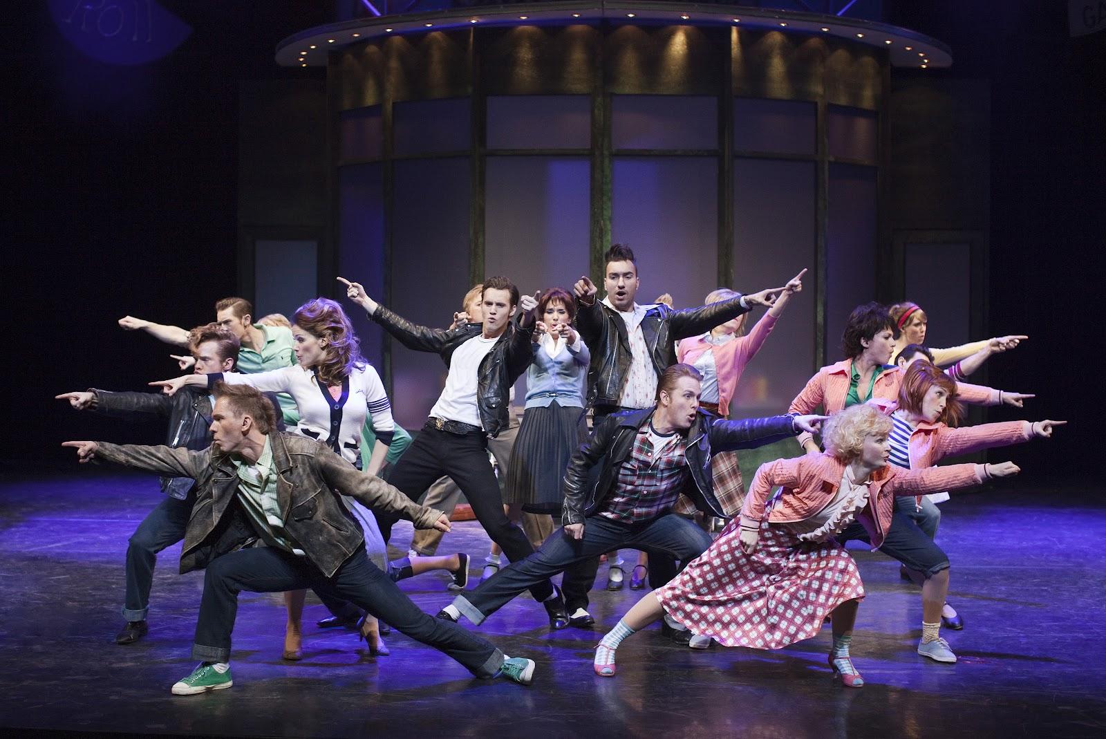 ccec3b76b8b Fredag den 24. februar er der premiere på musical nr to i Tivolis store  musicalsatsning. Grease is the word og nu er tiden så igen kommet til at  synge med ...