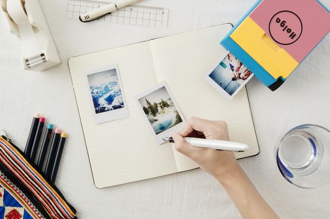Печать фотографии с помощью принтера Holga Instax