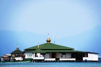 Destinasi Wisata Lampung, Pantai Sari Ringgung dan Pasir Timbul di Pesawaran
