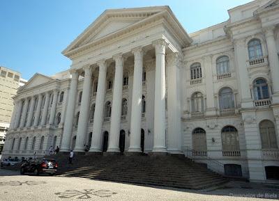 Curitiba Free Walking pelo Centro histórico - Universidade Federal do Paraná - UFPR
