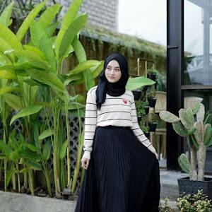 Carissa Pleated Skirt Black