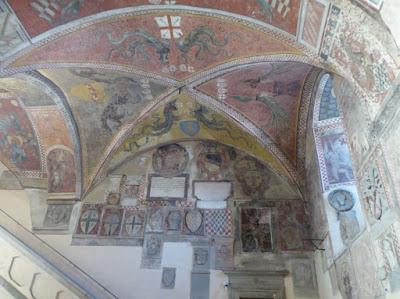 Cortile del Palazzo Pretorio di Pistoia