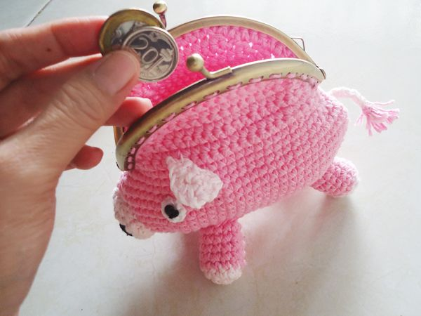 Piggy Coin Purse Free Crochet Pattern