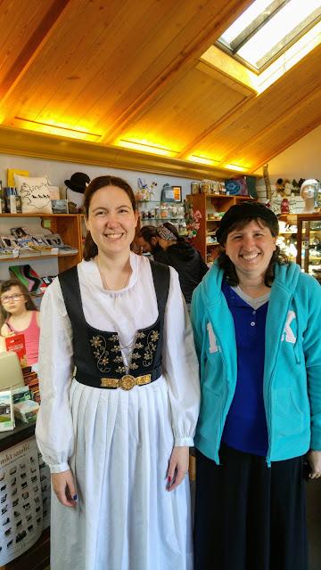 בגדים איסלנדים מסורתיים לכבוד יום העצמאות