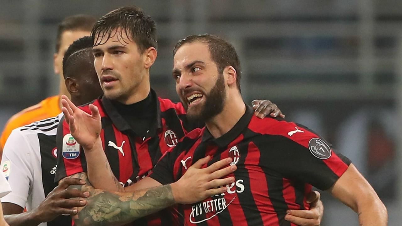 Tidak ikut serta Hadapi Genoa, Higuain Disebut Setuju ke Chelsea
