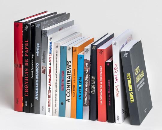 El IVAM saca a la luz sus tesoros bibliográficos
