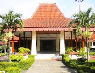 Keunikan-Sejarah-Rumah-Adat-Tradisional-Keraton-Kasepuhan-Cirebon-Jawa-Barat