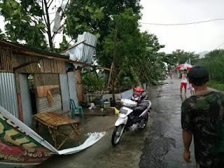 Hujan Deras Disertai Angin Rusak Rumah Dan Kantor PG Redjosari