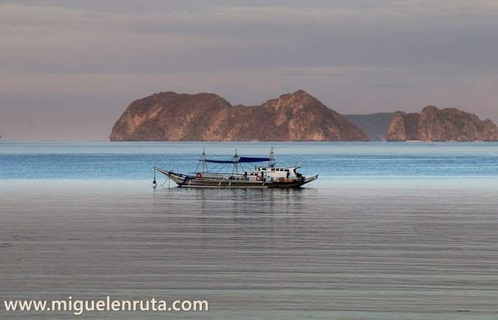 Embarcación-atardecer-Filipinas