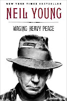 Neil Young - Waging Heavy Peace Paperback
