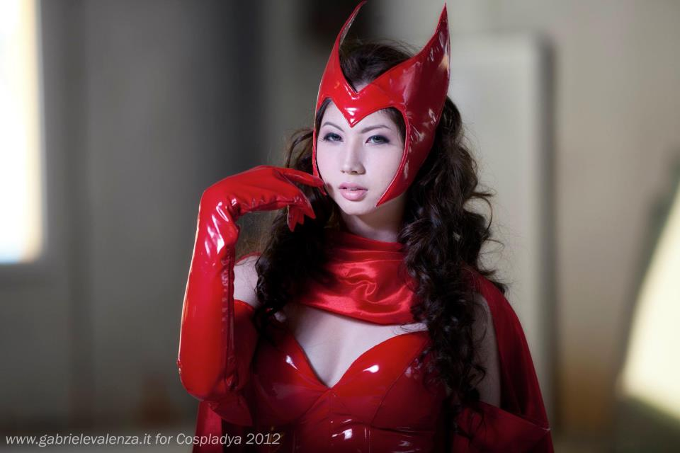ashley gosiengfiao sexy scarlet witch cosplay 02