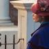 Emily Blunt é Mary Poppins na primeira imagem de Mary Poppins Returns