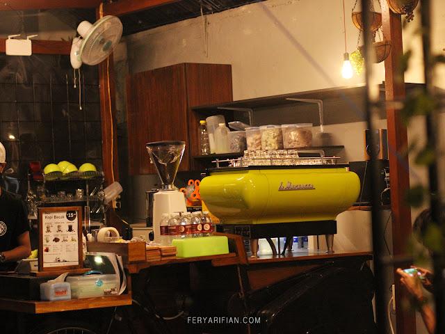 feryarifian food blogger malang kopi becak surabaya
