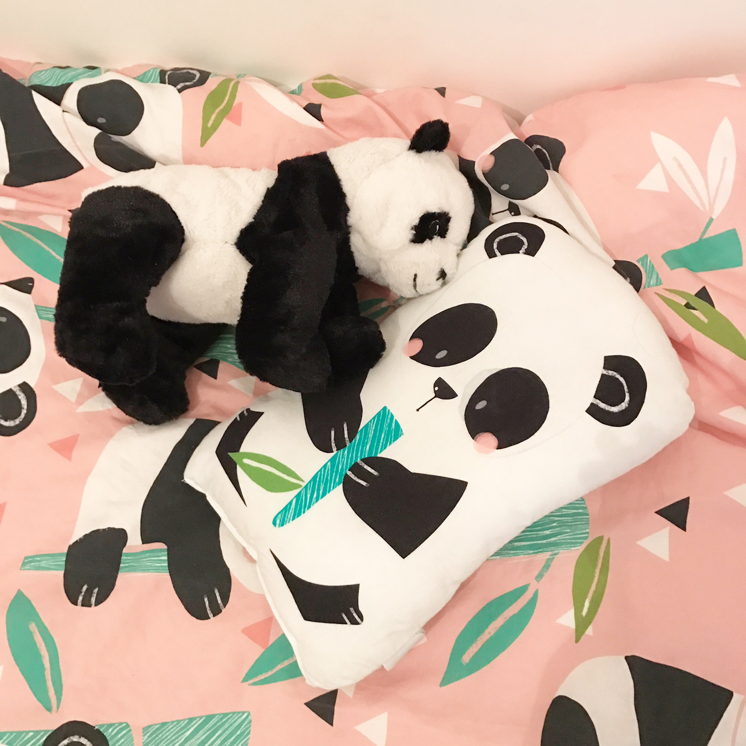 globeshoppeuse look little girl pyjama panda party. Black Bedroom Furniture Sets. Home Design Ideas