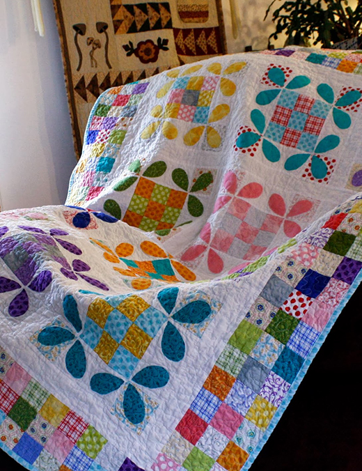 Honey Bee Quilt quilted by Erin of Why Not Sew, The Pattern Designed by Quilt in a day