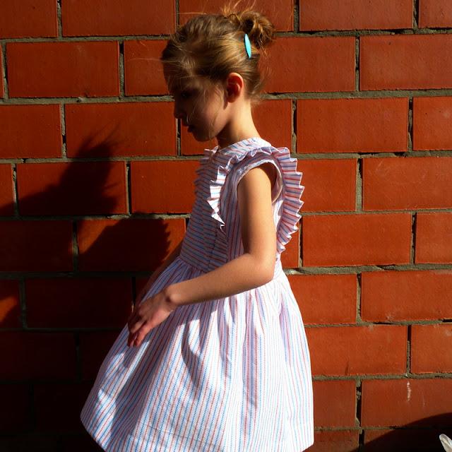 ruffles, frullen, volant in een jurk